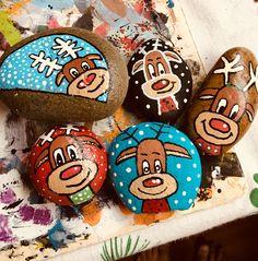My reindeer guys. Pebble Painting, Pebble Art, Stone Painting, Rock Painting, Painting On Wood, Christmas Rock, Christmas Crafts, Christmas Decorations, Reindeer Craft