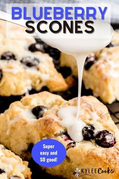 Light and flaky Blueberry Scones flavored with a hint of vanilla and filled with fresh blueberries. This recipe uses simple ingredients and comes together quickly. Brunch Recipes, Breakfast Recipes, Dessert Recipes, Breakfast Buffet, Brunch Ideas, Desserts, Blueberry Scones Recipe, Blueberry Cookies, Blueberry Recipes