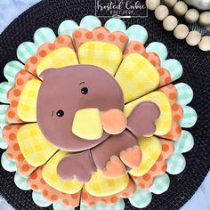 Turkey Cookies, Fall Cookies, Iced Cookies, Easter Cookies, Royal Icing Cookies, Holiday Cookies, Sugar Cookies, Thanksgiving Platter, Thanksgiving Cookies