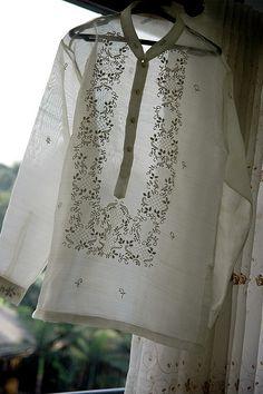 Barong Tagalog! men's traditional Philippine shirt