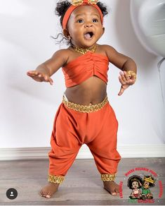 This is a beautiful photo of a baby girl. She looks like she is about to perform. Cute Kids, Cute Babies, Baby Kids, Trendy Kids, Beautiful Black Babies, Beautiful Children, Baby Pictures, Baby Photos, Little People