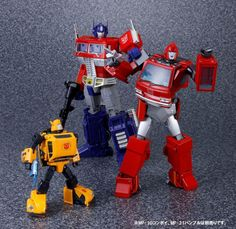Transformers Masterpiece MP-27 Ironhide with MP-21 Bumble (Bumblebee) and MP-10 Convoy (Optimus Prime)