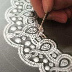 The House of Garrard's fine diamond tiaras and headresses include the Princess Tiara collection, inspired by the gardens of the Royal Palaces. Diamond Crown, Diamond Jewelry, Gothic Jewelry, High Jewelry, Jewelry Design Drawing, Jewelry Illustration, Damier, Jewellery Sketches, Digital Art Tutorial