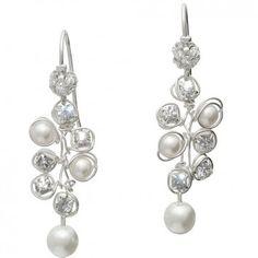 """Diese zarten Perlenohrhänger """"Belas"""" sind ein wahres Highlight und lassen die hochwertige Handarbeit von Colares erkennen. Versandkostenfrei bei www.melovely.de bestellen."""