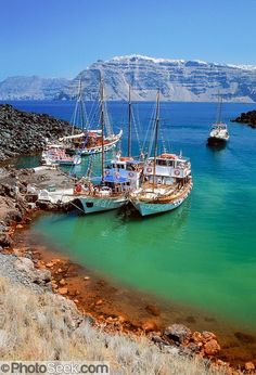 Volcanic Hot Springs in Santorini #greece