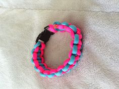 DIY paracord bracelet. So much fun to play with fire!  :p