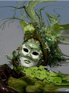 Carnivale / Mardi Gras Mask Green awareness for- May is Mental Health Awareness Month September is Muscular Dystrophy (MD) Awareness Month Mardi Gras Carnival, Venetian Carnival Masks, Carnival Of Venice, Venetian Masquerade, Masquerade Ball, Venice Carnivale, Venetian Costumes, Mardi Gras Costumes, Carnival Costumes