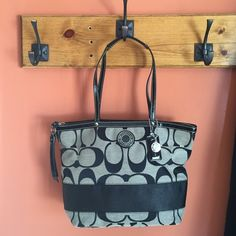 """Black Coach Bag Authentic Black Medium sized Coach Bag. Used once, in GREAT condition. Inside zip, cell phone and multifunctional pockets and Zip-top closure. Approx measurements 14"""" (L) x 9 3/4 (H) x 4 1/4"""" (W). Coach Bags"""