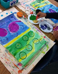 My first graders really need help with their fine motor skills this year. After completing a very successful Kandinsky Concentric Circl...