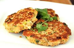 Healthy recipe for Zucchini Patties (Link leads to many diabetic recipes) Diabetic Menu, Diabetic Recipes, Veggie Recipes, Low Carb Recipes, Cooking Recipes, Healthy Recipes, Diabetic Foods, Healthy Cooking, Healthy Snacks