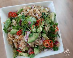 - AFHAAL -  Heerlijke rijstgerecht met tonijn, kruiden en avocado met een frisse en lichte pikante smaak. Visit: https://www.facebook.com/eatcleanfitup