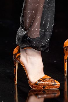 John Richmond Orange Brown Snake Effekt Pumps Spring 2014 #Shoes #Heels