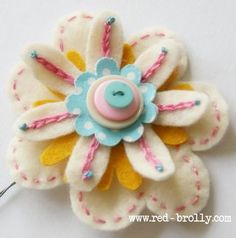 {D.I.Y Tutorial} Stitched Felt Flowers- Part 2