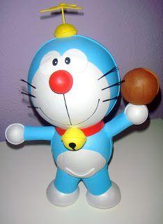 Fofuchas, fofuchos y otros muchos: Doraemon con dorayaki y Doraemon volador.