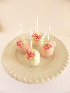 Cakepops para batizado de menina (organizado pela Lima Limão)