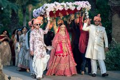 A Wedding Planner'S Wedding With Bride In Stunning Outfits Wedding Dresses Men Indian, Indian Wedding Bride, Wedding Dress Men, Indian Bridal Outfits, Indian Bridal Fashion, Bridal Dresses, Gothic Wedding, Wedding Couple Poses Photography, Indian Wedding Photography