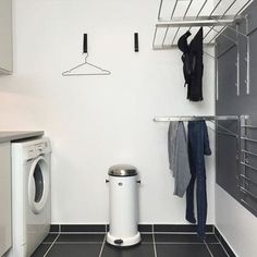 Laundry design ideas with drying room that you must try 27 Laundry Closet, Small Laundry Rooms, Laundry Room Organization, Laundry Storage, Ikea Laundry, Laundry Organizer, Laundry Decor, Basement Laundry, Drying Room