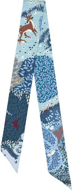 Hermes twilly Dans un jardin anglais Twilly in 100% silk (86 x 5 cm)  Color : ciel/marine/brun  Ref. : H062916S 03