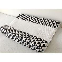 Aankleedkussenhoes triangel driehoek zwart wit cactus