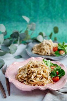Bastilla, Dessert Recipes, Desserts, Sour Cream, Recipies, Spaghetti, Food And Drink, Turkey, Chicken
