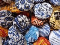Cloth buttons made out of men´s underwear - Kalsarinappeja