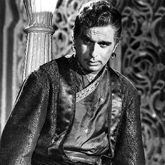 Once upon a time. Vintage Bollywood, Indian Bollywood, Old Film Stars, Shashi Kapoor, Handsome Older Men, Asian Photography, Bollywood Pictures, Celebrity Stars, Indian Artist