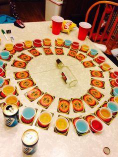 Este juego de beber es: Spin the Bottle + Circle of Death (menos Kings Joker) …. Adult Party Games, Adult Games, Adult Drinking Games, Halloween Drinking Games, Drinking Games For Parties, Drunk Games, Spin The Bottle, Joker, 21st Birthday