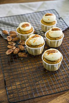 Carrot Orange and Pecan Muffins - Cooking with Tenina Vegan Breakfast Recipes, Vegan Recipes Easy, Sweet Recipes, Snack Recipes, Sticky Date Cake, Sticky Date Pudding, Bakery Recipes, Cupcake Recipes, Thermomix Desserts
