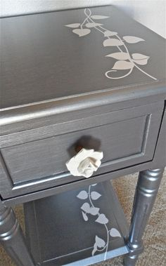 Jenny's Silver Vine Table