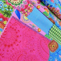 Stof dessin Pico. Mooie soepele stof van 100% katoen, gewicht 110 g/m2 en 145 CM breed. Geschikt voor kleding, decoratie en hobby.