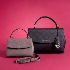 Элегантные сумочки из новой коллекции MICHAEL KORS порадуют всех поклонниц данного бренда! Стеганая кожа, плавные линии и аккуратная фурнитура - каждая деталь делает этот аксессуар безупречным и желанным. #topbrands #michaelkors #майклкорс #сумки #сумка