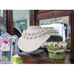 Las perlas son sinónimo de elegancia  #GriseldaTovar #Moda #Mujeres #ClothingVintage
