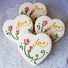 Cottage Rose Heart by LindasEdibleArt on Etsy, $39.00