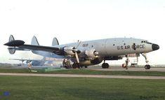 Lockheed C / EC-121 Constellation.  Transporte, Transporte VIP, y electrónica Contramedidas a / c.  Visto durante motor de correr detrás de mantenimiento en 1977 .: