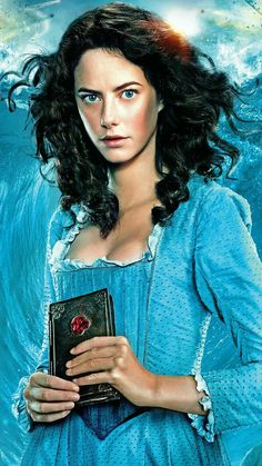 My favorite character in Pirates 5. Can't wait to read the book about Carina's background!