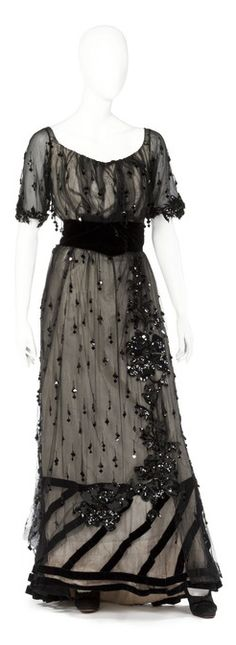 Evening dress, 1910's. The Hallwyl Costume Collection.