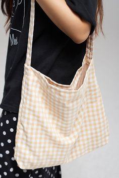 Fabric Crossbody Bags, Diy Tote Bag, Fabric Bags, Diy Your Clothes, Shopper Bag, Cute Bags, Look Chic, Cotton Tote Bags, Purses And Bags