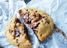 Chocolate chip cookies med nutellagömma