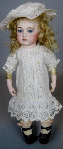 Antique-French-Bisque-Circle-Dot-Bru-Jne-Bebe-Doll-Original-Trousseau-Wardrobe