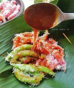 Indonesian Desserts, Asian Desserts, Indonesian Food, Asian Recipes, Sweet Recipes, Snack Recipes, Cooking Recipes, Snacks, Indonesian Recipes