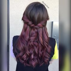 15 Best Maroon Hair Color Ideas of 2020 Are Here Maroon Hair Colors, Violet Hair Colors, Vibrant Hair Colors, Bright Red Hair, Ombre Hair Color, Cool Hair Color, Hair Colour, Pelo Color Vino, Pelo Color Borgoña