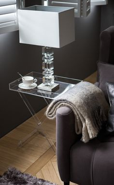 28 Interior Designs by Zara Home - MessageNote Table Decor Living Room, Home Living Room, Zara Home Lamps, Zara Home Table, Gray Interior, Interior Design, Decorating Your Home, Interior Decorating, Decorating Ideas