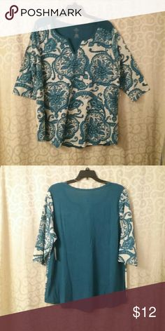 NWT Women's 2X Blue/White Top  *Final Sale This is a great print on this top, the back of the bodice is solid.   The sleeves are 3/4 sleeves.  This is a final price item, but you can still save 15% when you bundle. St. John's Bay Tops