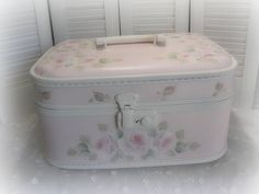 * vintage train case * by Rose Brook Cottage, Vintage Train Case, Vintage Box, Vintage Shabby Chic, Shabby Chic Decor, Vintage Suitcases, Vintage Luggage, Painted Suitcase, Simple Gifts, Retro