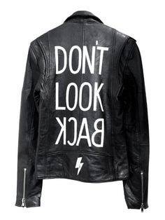 Heres how the street style set is wearing this classic jacket. Painted Jeans, Painted Clothes, Painted Leather Jacket, Kleidung Design, Best Leather Jackets, Denim Jacket Men, Denim Jackets, Jean Jackets, Revival Clothing