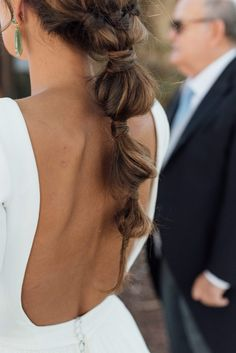 Loreto and Nacho's wedding at Finca el Campillo – Wedding and Relationship Funky Hairstyles, Formal Hairstyles, Pretty Hairstyles, Wedding Hairstyles, Hair Inspo, Hair Inspiration, Hairdo Wedding, Hair Locks, Braided Updo