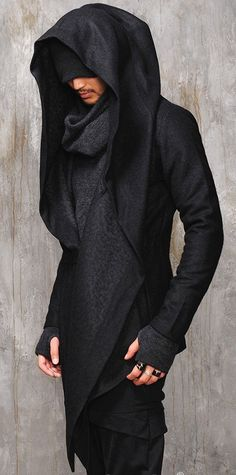 Dark Edgy Diabolic Sharp Avant Garde Hooded Cape this would be good costume for a character. Mode Masculine, Moda Men, Apocalyptic Fashion, Post Apocalyptic, Mode Jeans, Cape Coat, Future Fashion, Dark Fashion, Gothic Fashion Men