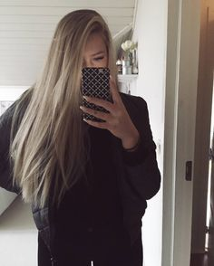"""39 curtidas, 1 comentários - ERICA MOHN KVAM (@dailyericakvam) no Instagram: """"Mirror picture #Fashion #Dress #Erica #Mohn #Kvam #ERICAMOHNKVAM #ERICAKVAM #erica #mohn #kvam…"""""""