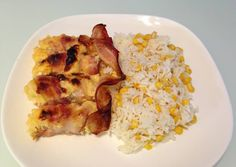 Baconos-fetás csirkemell recept foto Feta, Bacon, Grains, Rice, Chicken, Breakfast, Recipes, Morning Coffee, Korn