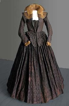 """oldrags: """" Dress worn by a certain Marketa Lobkowicz, 1617 modern-day Czech Republic or Poland, Mikulov Museum """" Vintage Gowns, Mode Vintage, Vintage Outfits, Vintage Fashion, 17th Century Clothing, 17th Century Fashion, Mode Renaissance, Renaissance Fashion, 1500s Fashion"""
